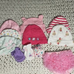 Infant girls new born beanie and mitten lot 0-6